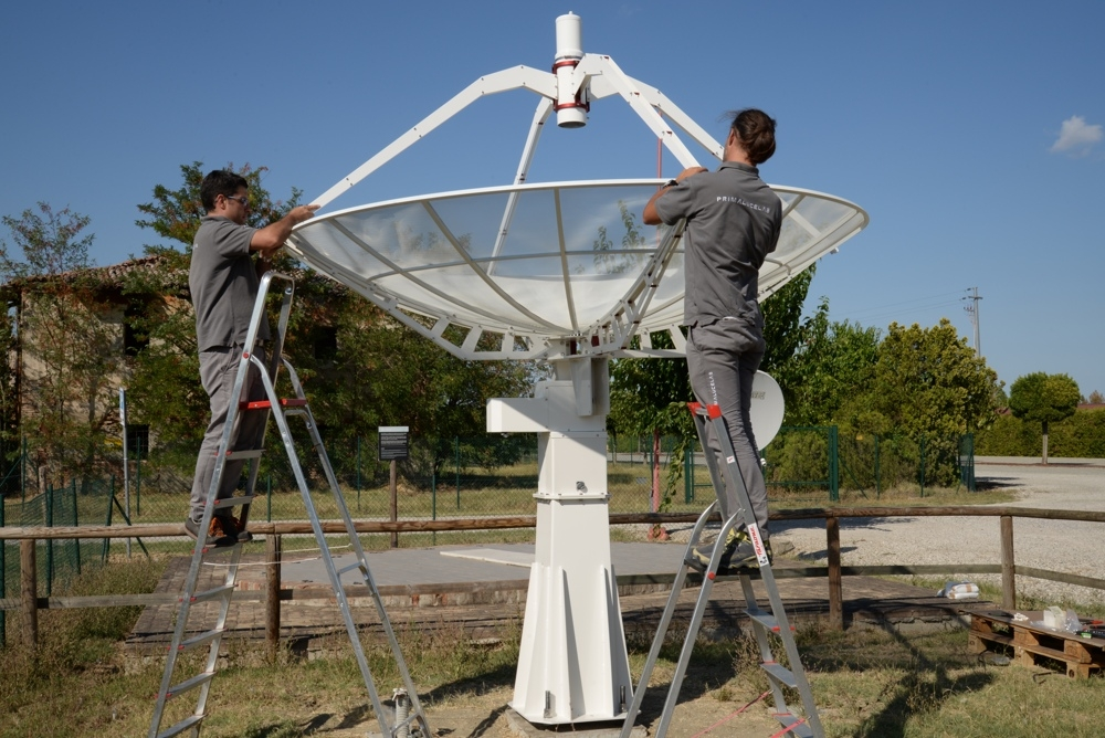 Radio telescopes installation service